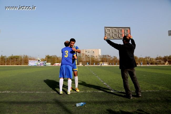 فوتبال دهه فجر 33