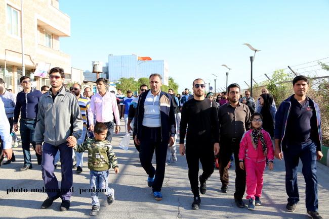 پیاده روی خانوادگی 8
