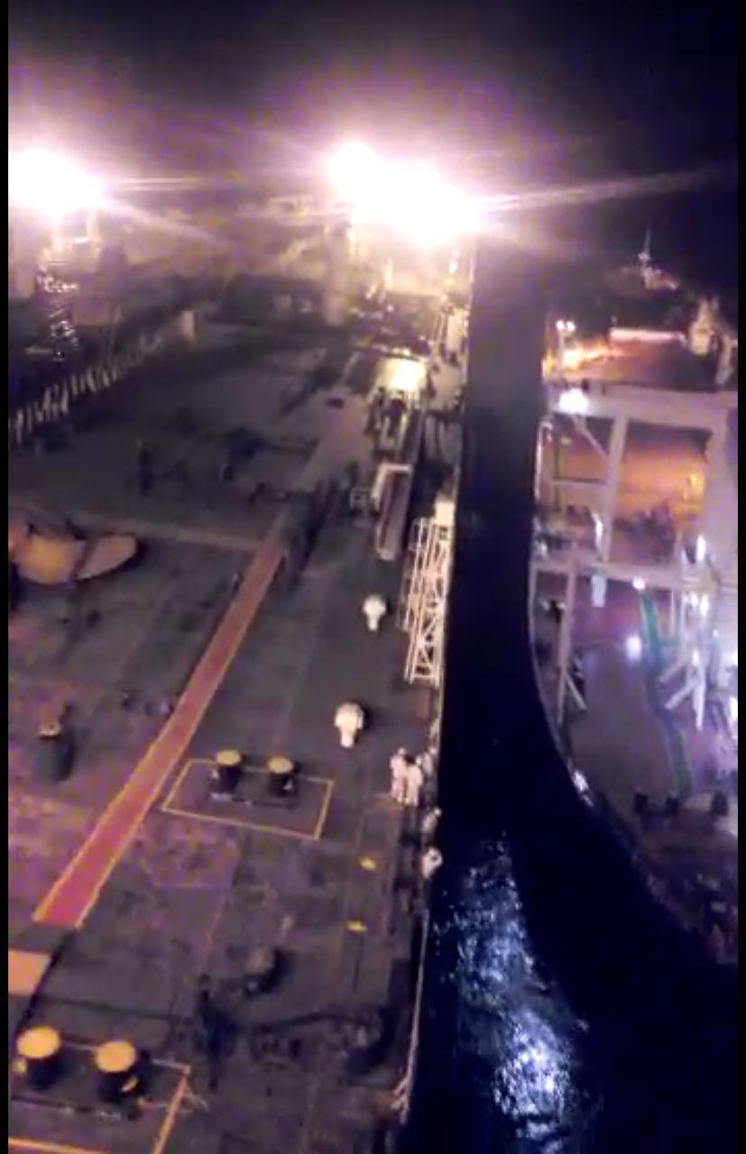 عملیات بارگیری نفت خام به 4 فروند نفتکش در پایانه نفتی خارگ انجام شد