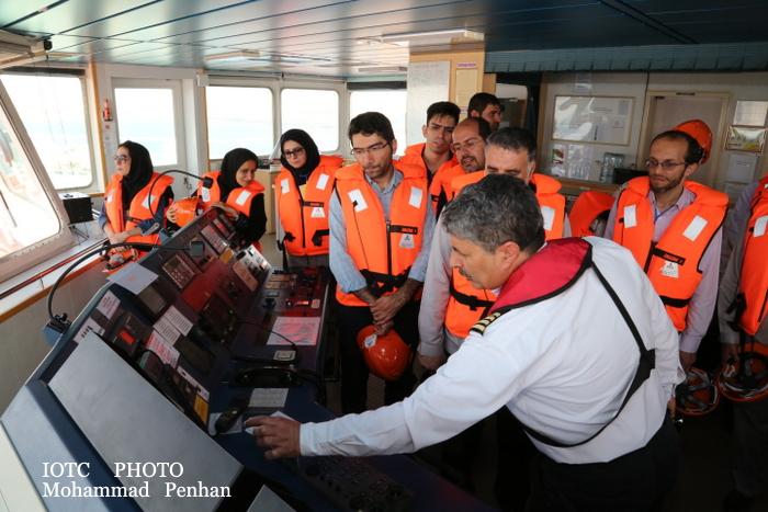 بازدید از پایانه نفتی خارگ 27