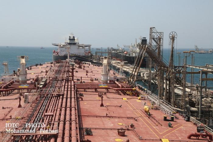 بازدید از پایانه نفتی خارگ 28