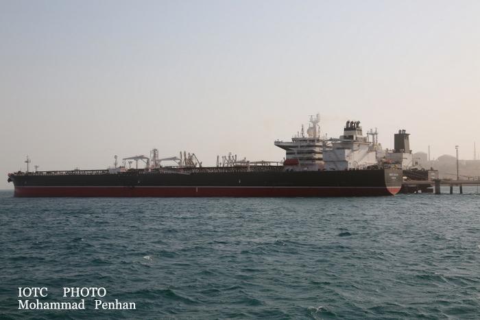 بازدید از پایانه نفتی خارگ 36